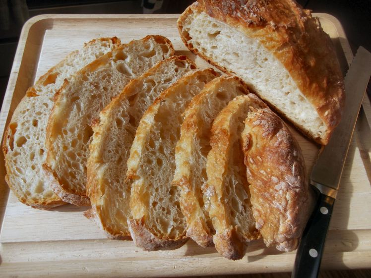 No Knead Bread sliced 003