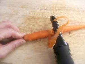 QT Peeling Carrots 004